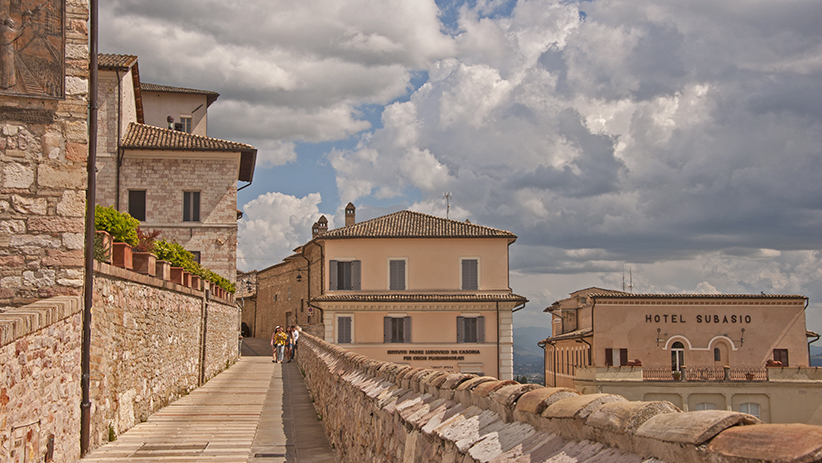 50 Stunning Photos to Inspire You to Visit Assisi, Italy38