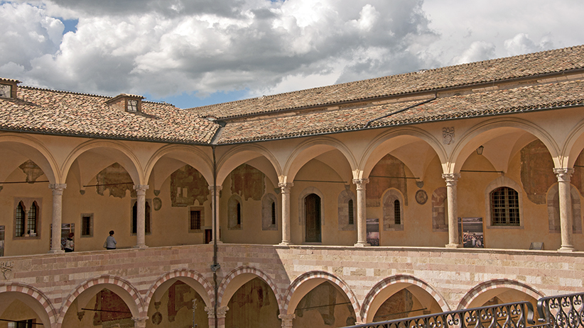 50 Stunning Photos to Inspire You to Visit Assisi, Italy42