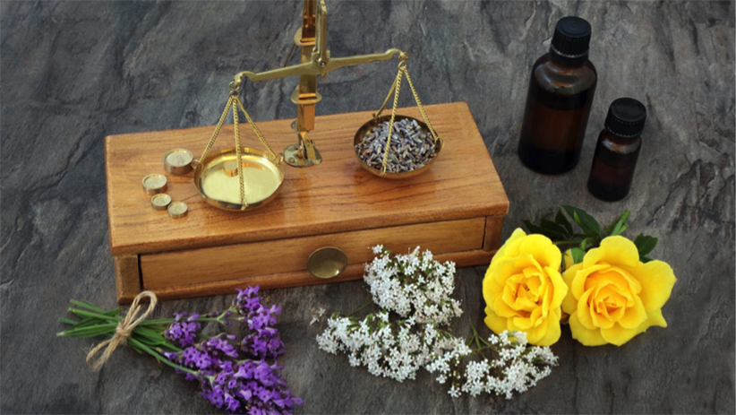 5 Aromatherapy Essential Oils for Stress Relief and Sleep2